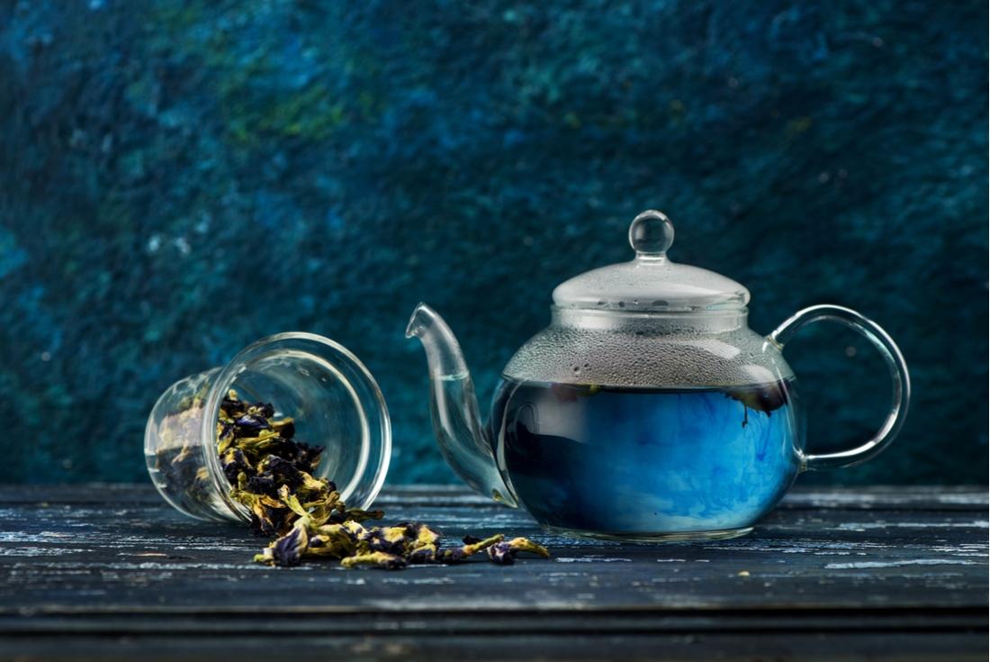 Qu'est-ce que le thé bleu ? (+ comment le préparer)