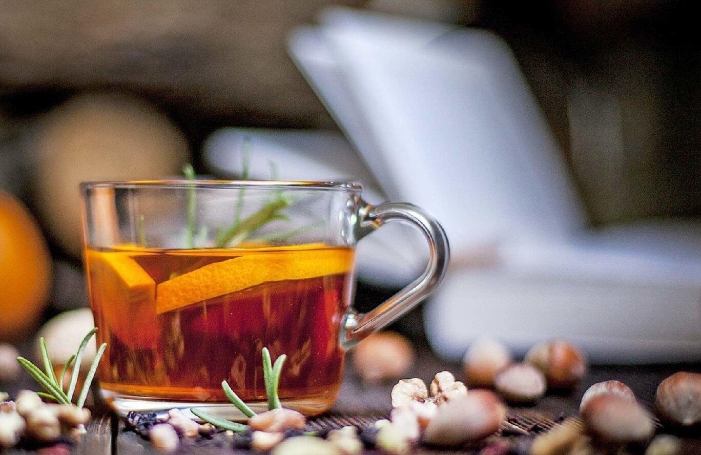 8 tisanes efficaces contre les maux de gorge